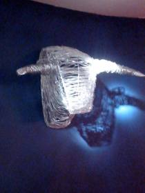 Tête de Toro (fils de métal anodisé tressés)