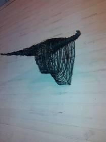 Tête de Toro (structure métallique, fil de fer noir)